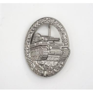 1957 Panzer Assault Badge in Silver
